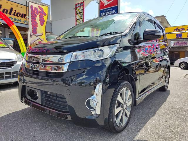 沖縄の中古車 三菱 eKカスタム 車両価格 61万円 リ済込 2015(平成27)年 7.8万km ブラックマイカ