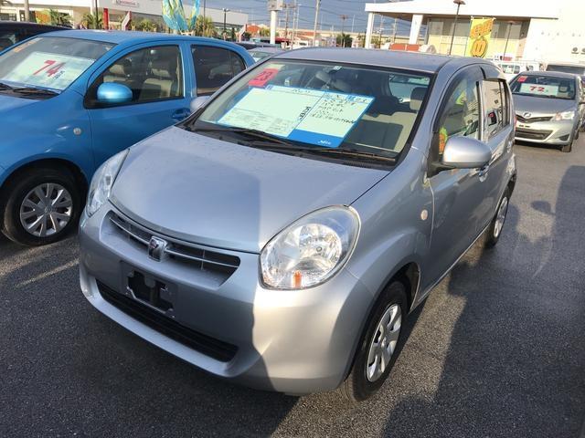 沖縄の中古車 トヨタ パッソ 車両価格 43.2万円 リ済別 平成23年 4.7万km シルバー