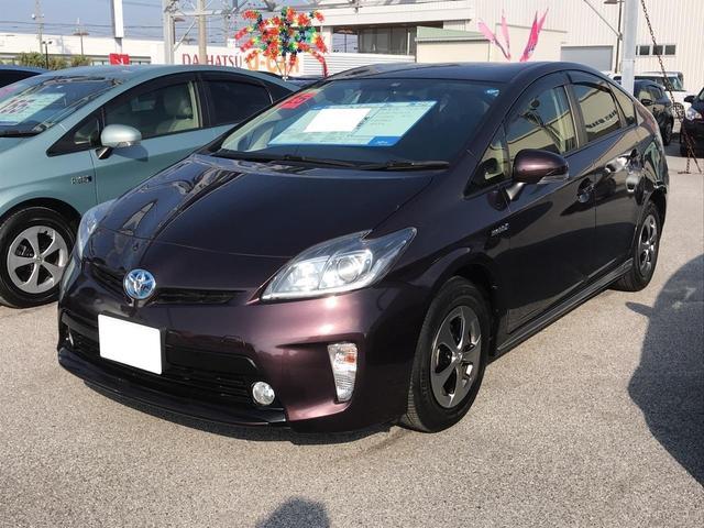 沖縄の中古車 トヨタ プリウス 車両価格 179万円 リ済別 平成25年 0.9万km ワイン