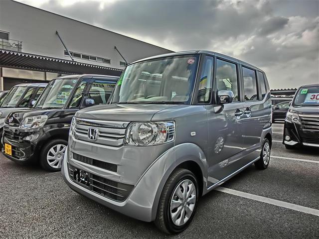 沖縄の中古車 ホンダ N-BOX 車両価格 110万円 リ済別 2017(平成29)年 2.2万km シルバー