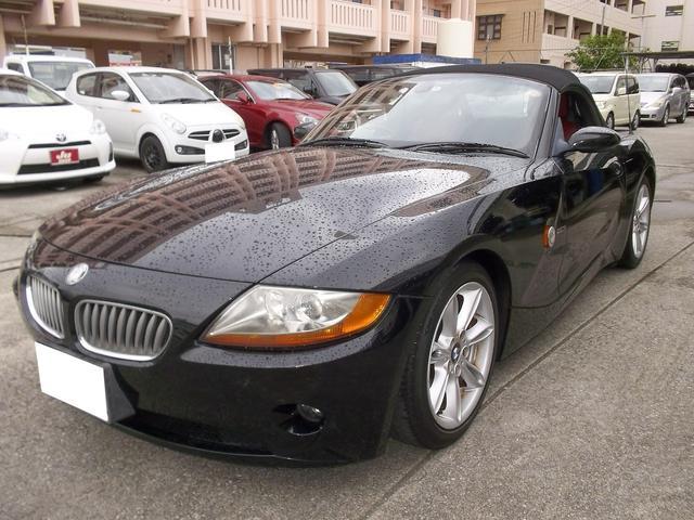 沖縄の中古車 BMW BMW Z4 車両価格 55万円 リ済込 2004(平成16)年 13.6万km ブラック