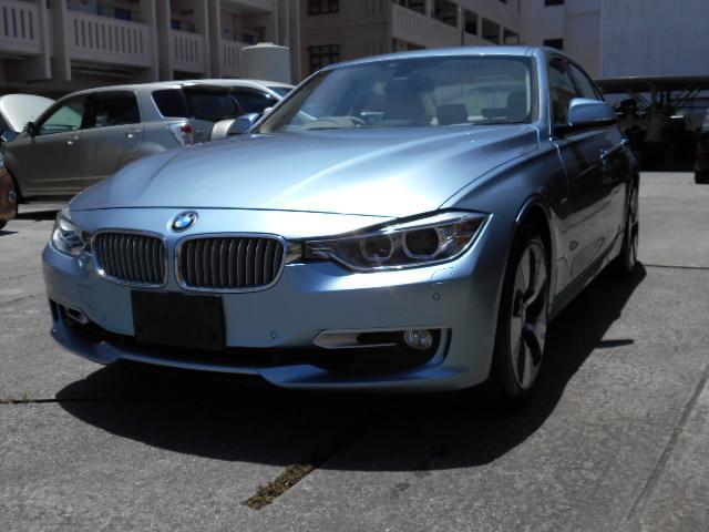 豊見城市 (有)平成エンタープライス BMW 3シリーズ アクティブハイブリッド3 ライトブルー 6.7万km 2013(平成25)年