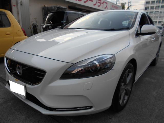 沖縄の中古車 ボルボ V40 車両価格 63万円 リ済込 2013(平成25)年 5.8万km ホワイト