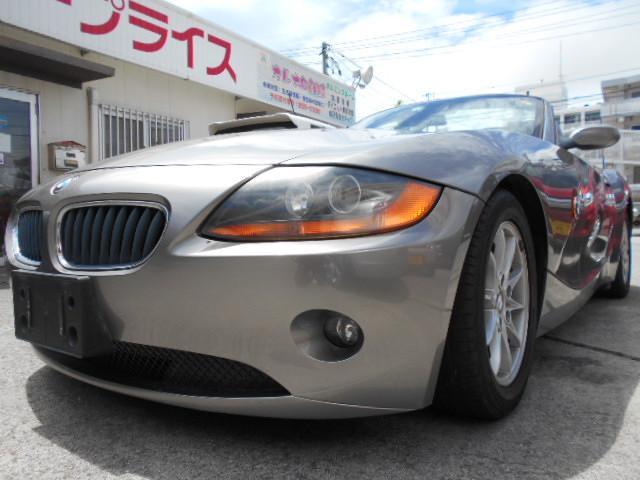 沖縄の中古車 BMW Z4 車両価格 53万円 リ済込 2006(平成18)年 5.7万km グレー