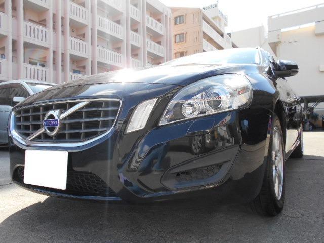 沖縄の中古車 ボルボ V60 車両価格 54万円 リ済込 2011(平成23)年 5.5万km ブラック