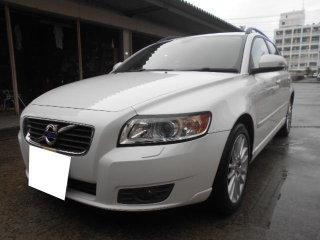 沖縄の中古車 ボルボ V50 車両価格 54万円 リ済込 2011(平成23)年 3.8万km ホワイト