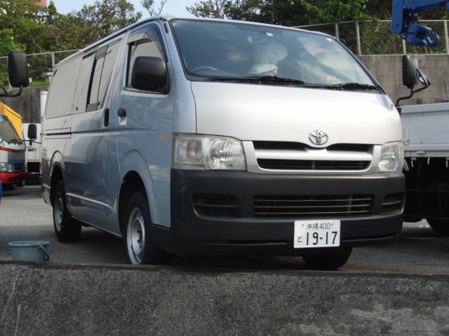 沖縄の中古車 トヨタ ハイエースバン 車両価格 95万円 リ済込 2007(平成19)年 21.5万km シルバー
