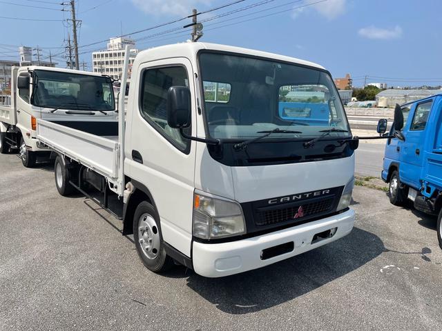 沖縄の中古車 三菱ふそう キャンター 車両価格 120万円 リ済込 2004(平成16)年 25.0万km ホワイト