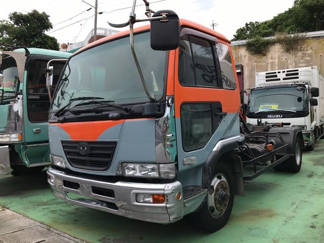 UDトラックス マルチシフト 6.9t積 6MT