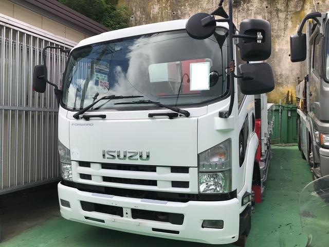 沖縄の中古車 いすゞ フォワード 車両価格 350万円 リ済込 2012(平成24)年 48.0万km ホワイト