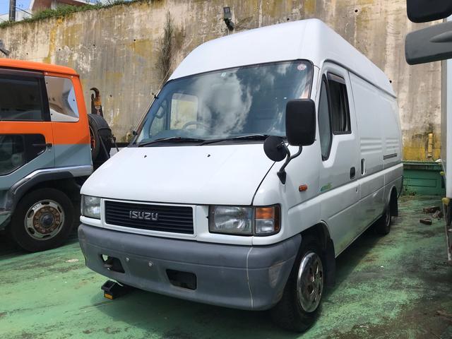 沖縄の中古車 いすゞ エルフUT 車両価格 129万円 リ済込 1998(平成10)年 32.3万km ホワイト