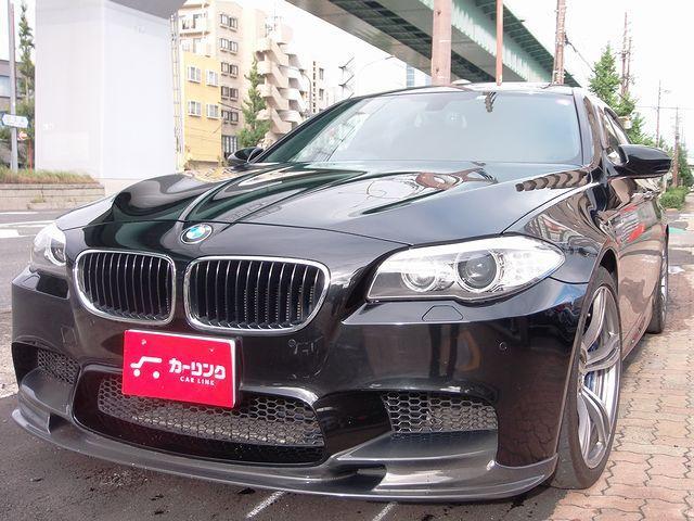 BMW M5 M5 カーボン製フロントリップ&ルーフスポイラー サンルーフ 黒革エアシート 禁煙車