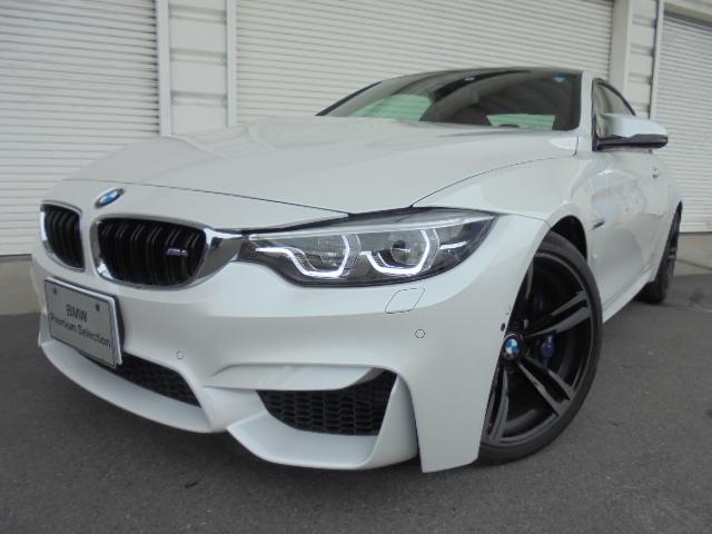 BMW M4クーペパーキングサポート19インチAWデモカー
