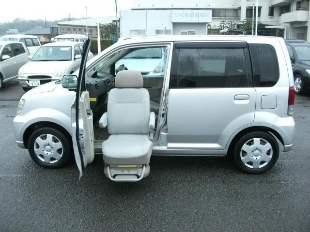 三菱 福祉車両 助手席電動リフトアップシート