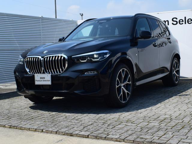 BMW X5 xDrive 35d Mスポーツ ブラックレザー パノラマSR ドライビングアシストプロフェッショナル ヘッドアップディスプレイ 全周囲カメラ FRシートヒータ- 保冷・保温機能付きカップホルダー ソフトクローズドア 21AW LED