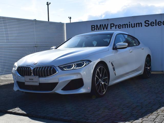 BMW 840i グランクーペ Mスポーツ 弊社デモカー ブラウンレザー サンルーフ Mスポーツブレーキ ドライビングアシストプロフェッショナル 全周囲カメラ レーザーライト ソフトクローズドア 前後シートヒーター ハーマンカードン 20AW