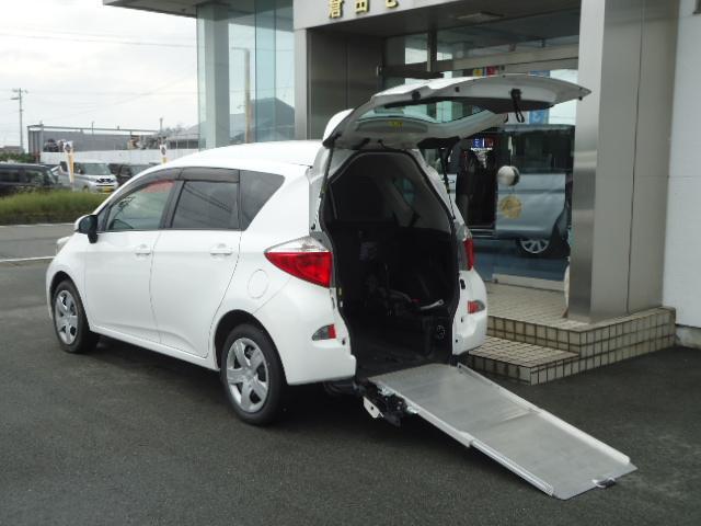トヨタ ラクティス X スローパー ウエルキャブ 車イス仕様車 ニールダウン 5人乗りリヤシート付き 車イス固定装置付き キーレス CD 取扱説明書