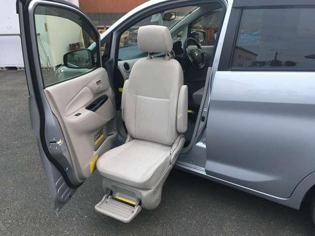 三菱 G 助手席回転シート仕様車 福祉車両