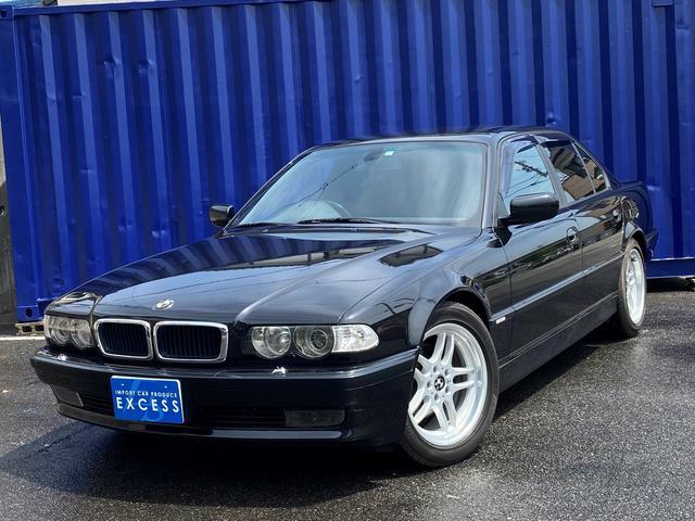 BMW 7シリーズ 735i Mスポーツ 後期モデル・純正ナビ・DVD再生OK・ハーフレザーシート・サンルーフ・CCFLライト・Mスポーツ18AW・ETC・ブレンボキャリパー