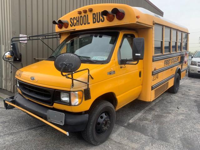 フォード E450 USAスクールバス ディーゼルエンジン