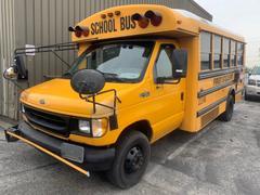 フォードE450 USAスクールバス ディーゼルエンジン