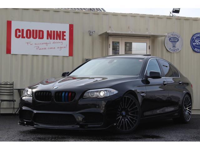 BMW 5シリーズ 528i ディーラー記録簿 当社オリジナルM5仕様 M5仕様Fバンパー Fスポイラー M5仕様リアバンパー 四本出しマフラー ローダウン 社外20インチアルミ リアスポイラー Mカラーグリル 全新品パーツ使用