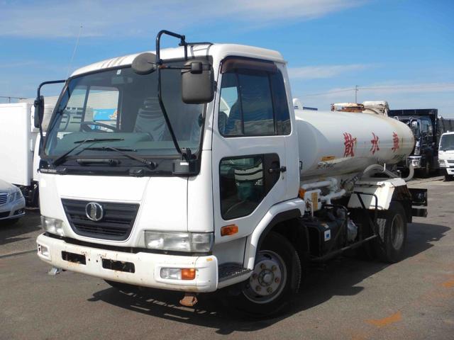 日産ディーゼル 4トン 散水車 PTO式 容積4000L 210馬力ターボ