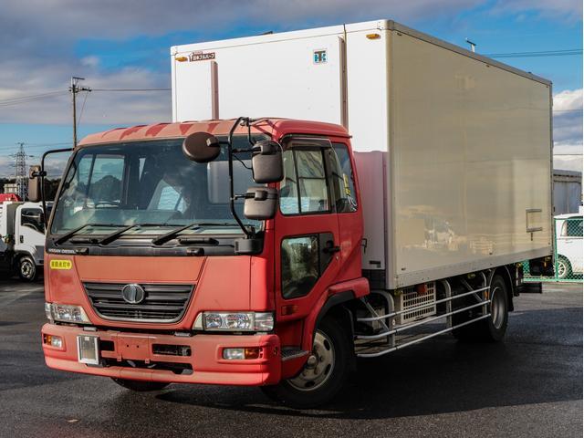 UDトラックス  中温冷凍車 -5℃ 増トン パワーゲート付き ワイド 5.5t ベッド付き リア観音扉
