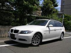 BMW320iツーリング 正規ディーラー車 HDDナビ HID