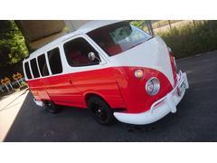 ハイエースワゴンヴィンテージバス仕様 内装赤レザー新