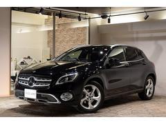 M・ベンツGLA180 法人オーナー レーダセーフティ 黒革 新車保証