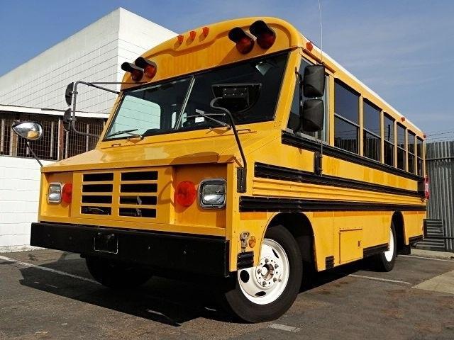 シボレー USスクールバス ブルーバード社製 キッチンカー 移動販売車