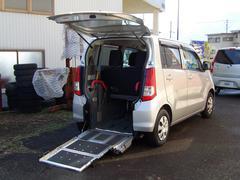 ワゴンRウィズ 車いす移動車 リヤシート付 電動固定式
