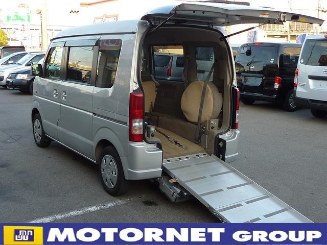 スズキ 660ウィズ車いす移動車 後席付 電動固定4WD