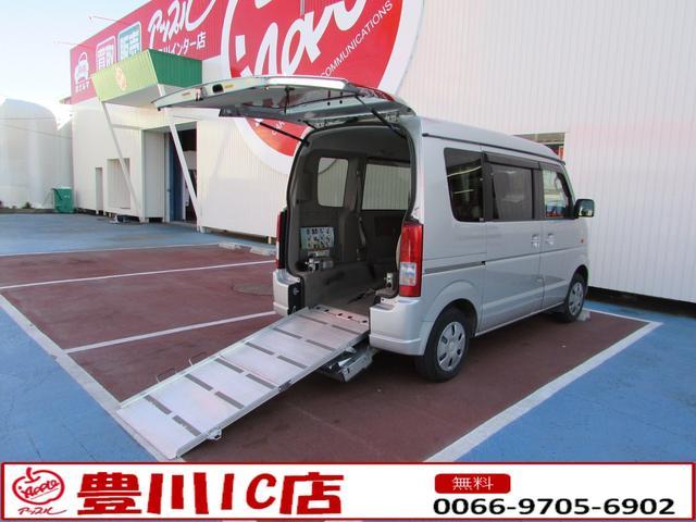 車いす移動車 スローパー 電動ウインチ リアシート付4人乗り(1枚目)