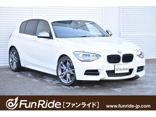BMW M135i 黒革シート・純正ナビ・Bカメラ・Cアクセス