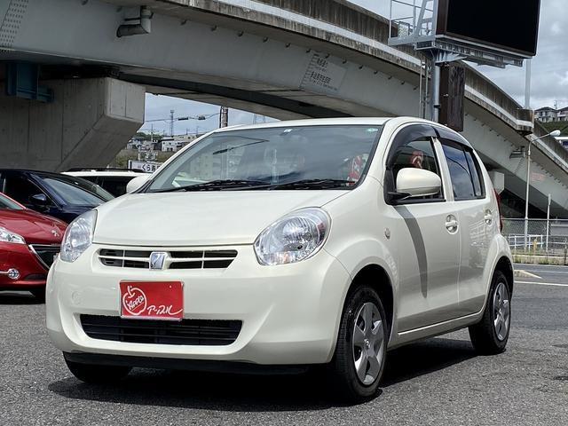 トヨタ パッソ X クツロギ キーフリーシステム