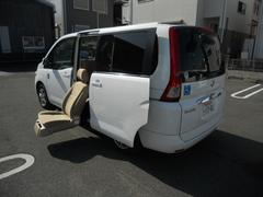 セレナ 福祉車両 サイドリフトアップ 7人乗(日産)