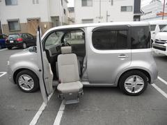 キューブ 福祉車両 助手席リフトアップ(日産)