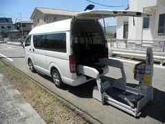 ハイエースバン福祉車両 リアリフト