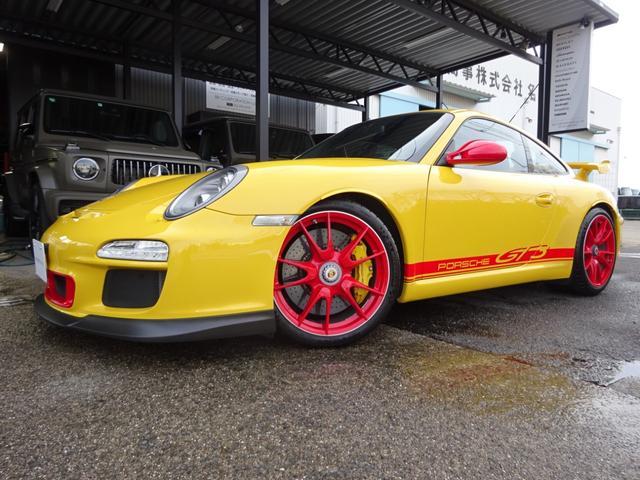 ポルシェ 911GT3 後期モデル D車 PCCB 全年度ディーラー記録簿有 SDナビ フルセグ バックカメラ ETC 探知機レーダー フロントリフティング 新品タイヤ交換済み オプションカラードパネル GT3デカール