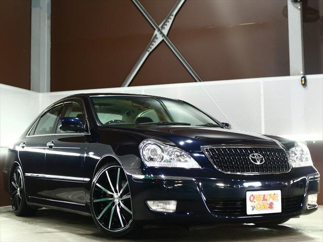 トヨタ クラウンマジェスタ Cタイプi-Four 新品19アルミ/新品タイヤ/サスコン