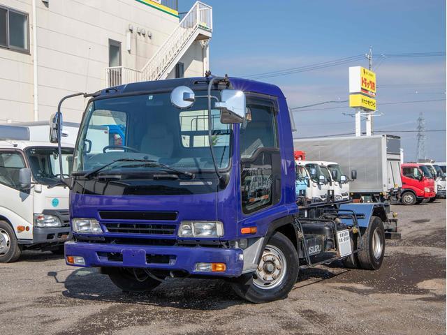 いすゞ  4トン アームロール ツインホイスト コンテナ専用車 6MT 極東開発