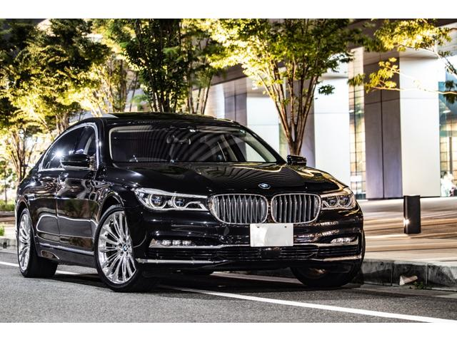 BMW 750Li デザインピュアセレクト/法人使用/リアエンターテイメント/OP20inAW(スタイリング646)/スカイラウンジルーフ/リアコンフォートPKGプラス/2アクスルエアサス/リモートコントロールパーキング