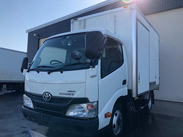 トヨタ 2t積中温冷凍車-7℃設定 4WD