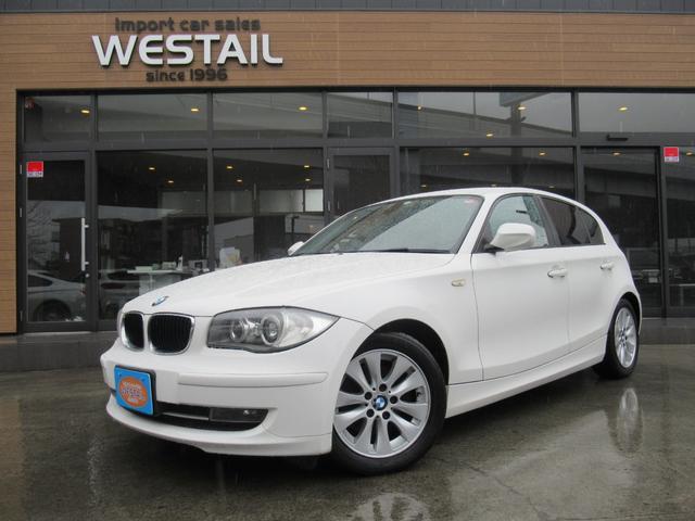 BMW 1シリーズ 120i スタッドレスタイヤ付き HIDヘッドライト 運転席助手席パワーシート オートライト キーレス プッシュスタート ETC CD AM・FM AUX オートワイパー 電動格納ミラー ウェルカムランプ