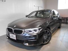 BMW530eMスポーツアイパフォーマンス レザーシートサンルーフ