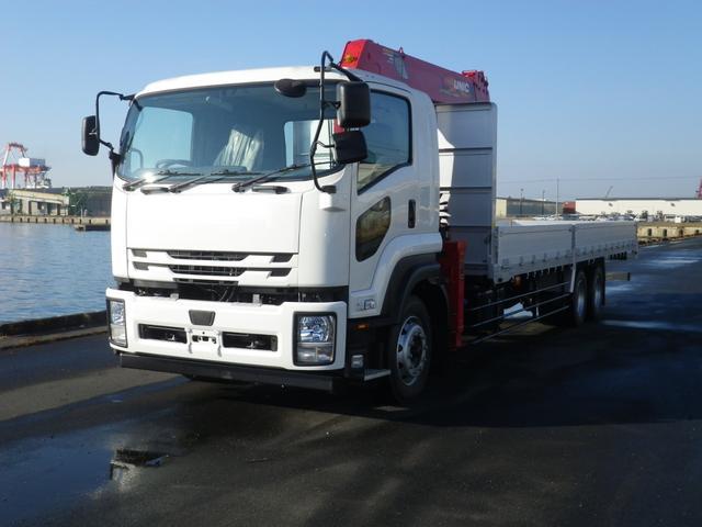 いすゞ  増トン 6段大型用UNIC 荷台内寸8300 2デフ310PS 届け出済み未使用車