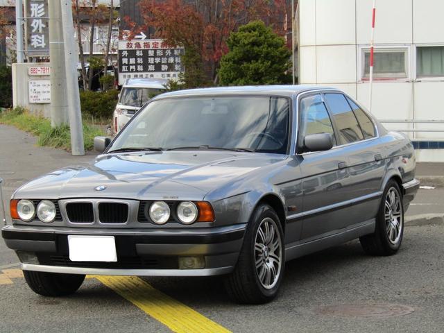 BMW 525iX 4WD 左ハンドル