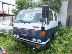 タイタントラックWキャブ